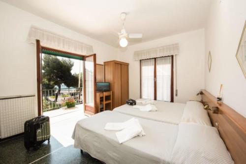 hotel-camera-vista-mare-celle-ligure